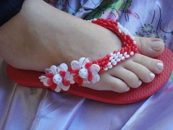 1-chinelos bordados