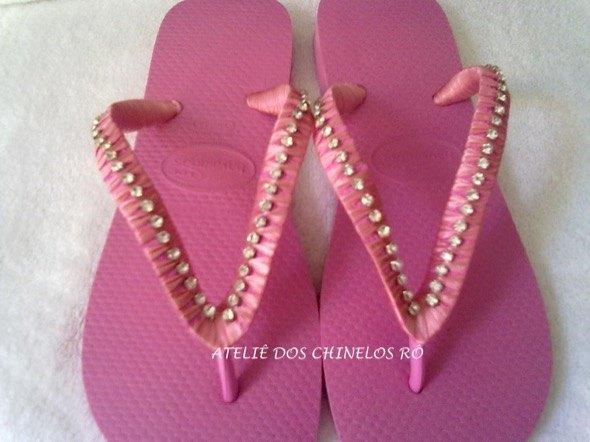 8-chinelos bordados