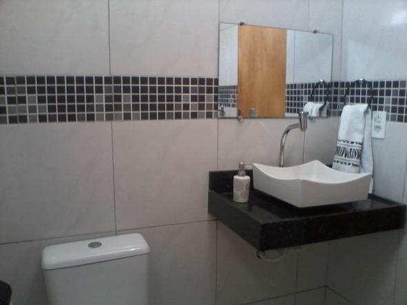 9-modelo banheiro preto e branco