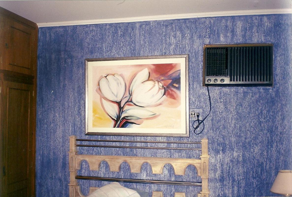 Pin Grafiato Dicas De Como Aplicar E Fotos De Modelos 8231d 2 300x224  #61422C 1187x800 Banheiro Com Parede De Grafiato