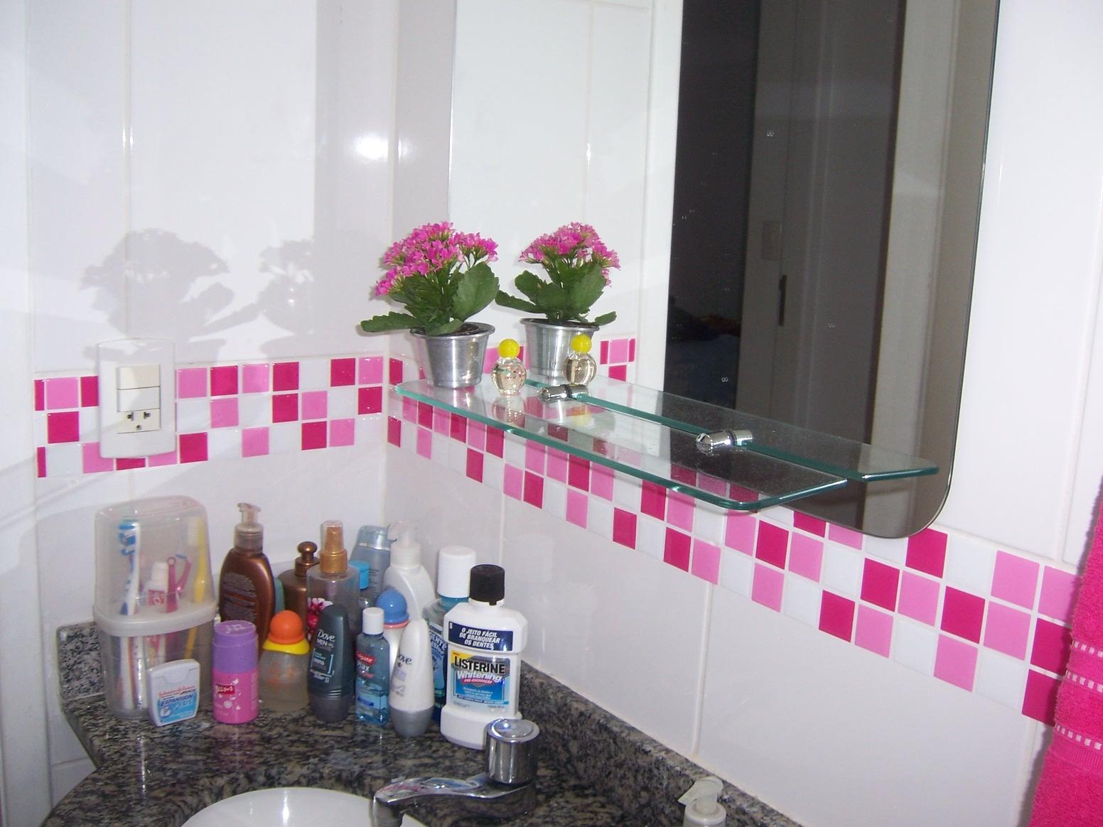 Pastilhas de vidro adesivas, uma nova solução na decoração -> Banheiro Pequeno Com Pastilhas Adesivas