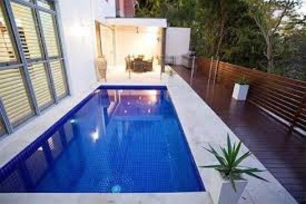 32 piscinas pequenas para casas e ch caras for Piscinas interiores pequenas