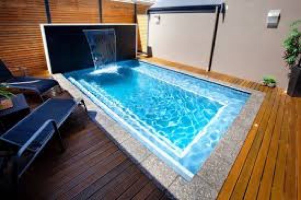 32 piscinas pequenas para casas e ch caras for Piscina hinchable pequena