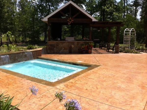 32 piscinas pequenas para casas e ch caras for Piscinas de casas pequenas