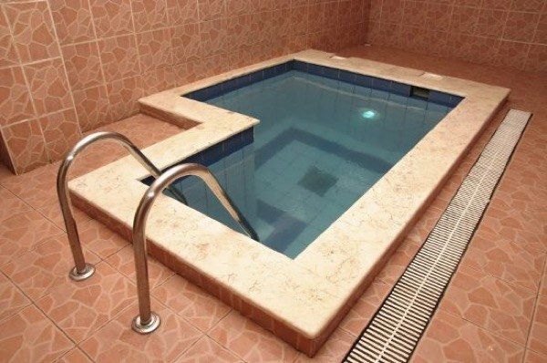 26-piscinas pequenas para casas e chacaras