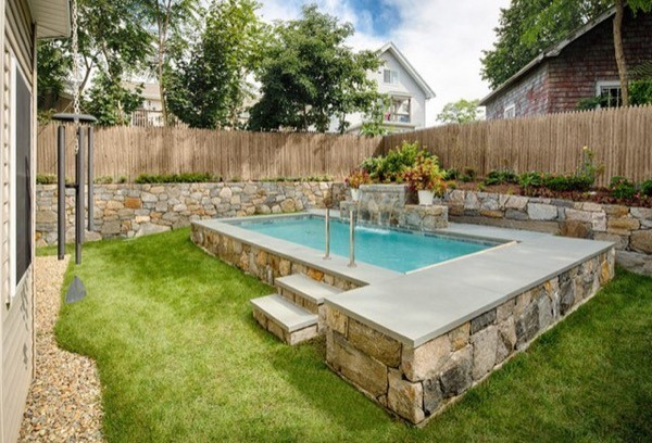 32 piscinas pequenas para casas e ch caras for Dimensiones de piscinas pequenas