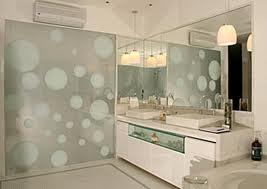 Banheiro com espelhos 3
