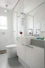 Banheiro com espelhos 4