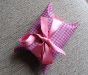 Embalagem com rolo de papelão