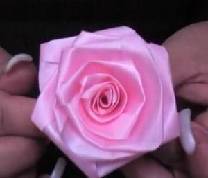 Flor de fita como fazer 1