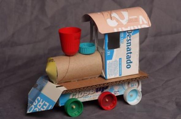 brinquedo+para+menino+material+reciclado5