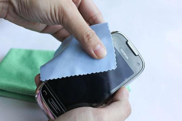 Como limpar a tela de Tablet e Smartphone 003
