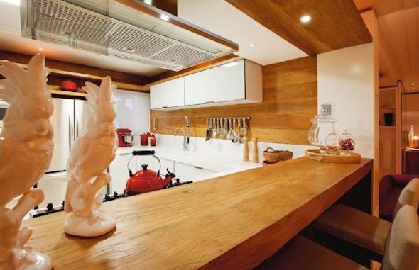 Bancadas de madeira na cozinha10