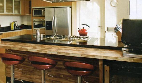 Bancadas de madeira na cozinha13