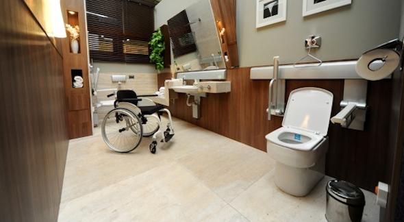 Banheiro adaptado para idosos 2