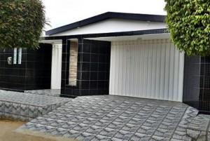Frente de casas com cerâmica 003