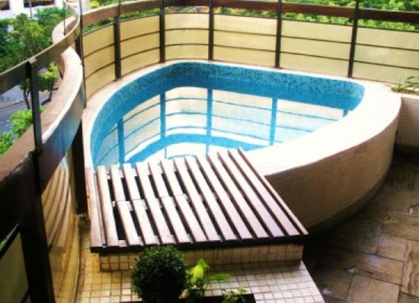 Piscina integrada com a varanda4