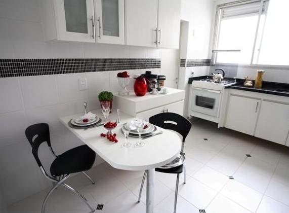 Piso preto e branco em cozinhas10
