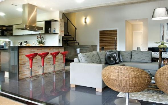 Cozinha integrada com a sala 4 dicas e 14 modelos para - Casas americanas interiores ...