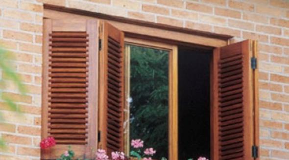Tipos de janelas de madeira para casa 11