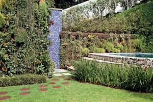 Cores-e-muros-cheios-de-plantas-011