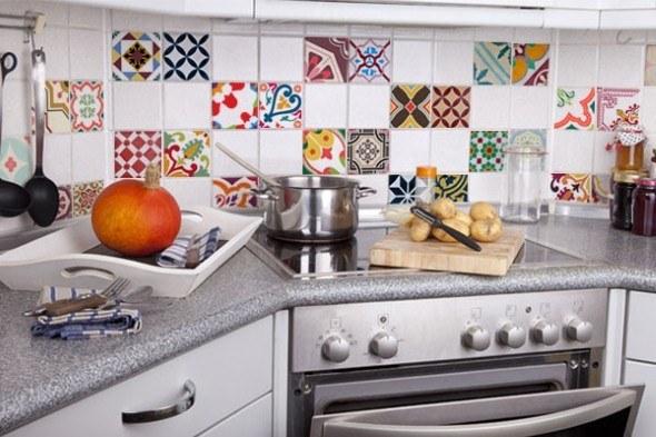 Decorar-a-cozinha-com-adesivo-de-ladrilho-hidr_ulico-013