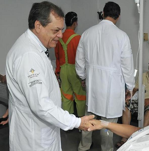 O médico Dr. Faleiros1