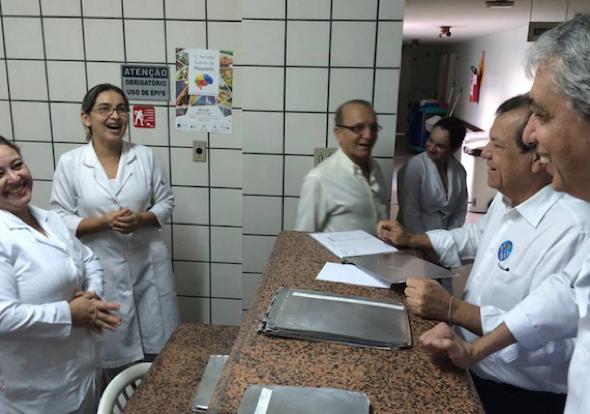foto dr faleiros médico 4567-7