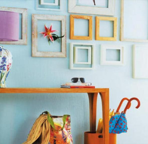 8-Hall de entrada decorar com quadros e prateleiras