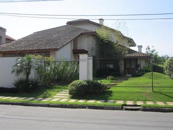Fachadas-de-casas-com-telhados-010