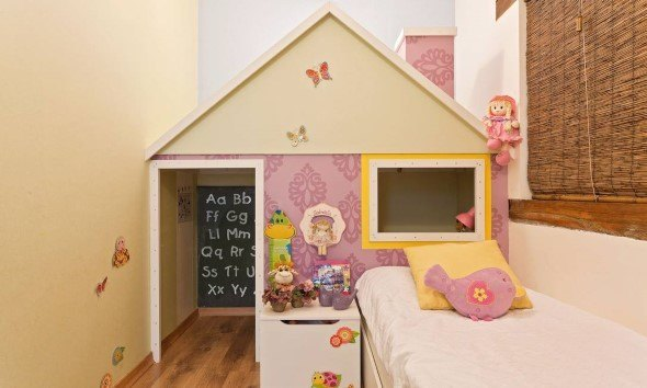 Ideias-para-decorar-o-quarto-com-bonecas-006