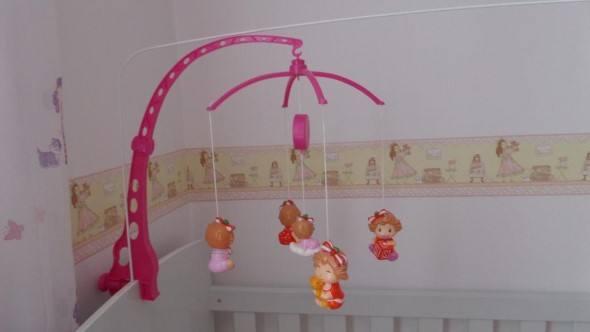 Ideias-para-decorar-o-quarto-com-bonecas-014