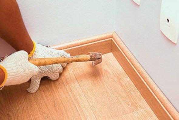 Como-instalar-rodapé-de-madeira-001