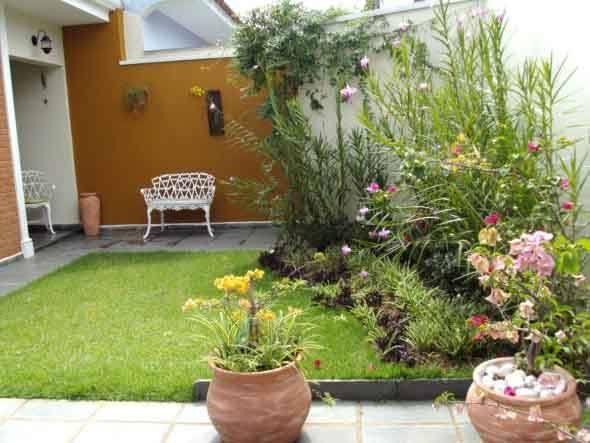 Frente-de-casas-com-jardim-007