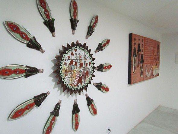Montar-uma-galeria-de-arranjos-na-parede-014