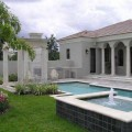 Fachada-de-casa-estilo-colonial-moderno-013