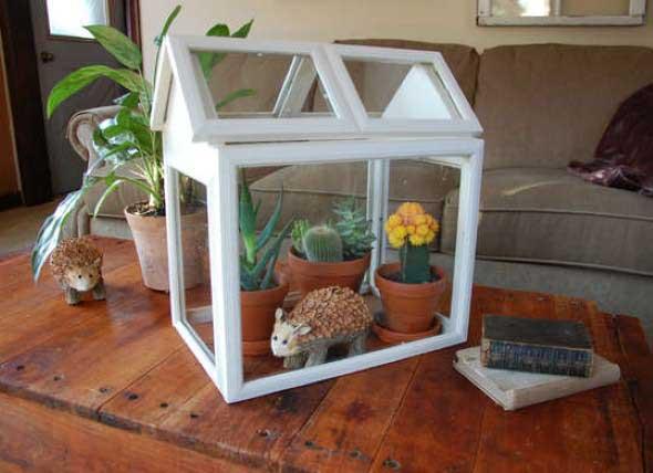 Casa em miniatura para plantas.