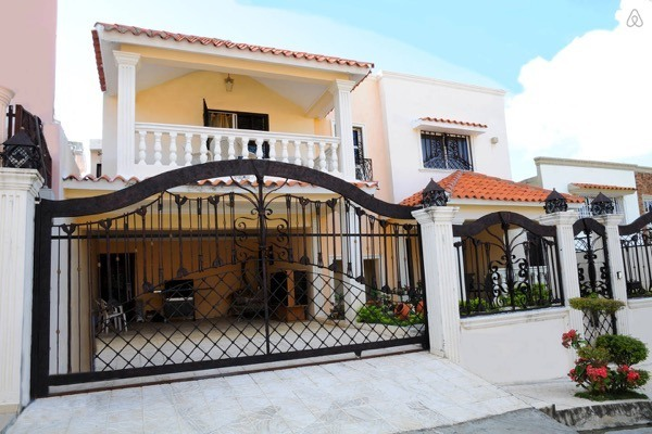 5-Frente de casas com garagem
