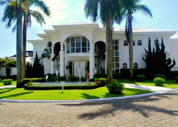 Fachadas de casas de luxo 015