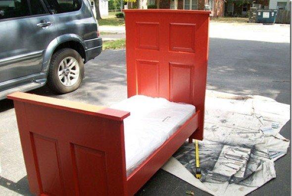 Fazer-a-cabeceira-da-cama-com-uma-porta-velha-003