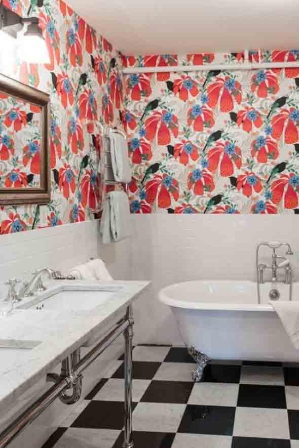 10 papéis de parede criativos para banheiro 007