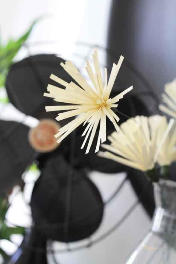Como fazer flores de papel 009