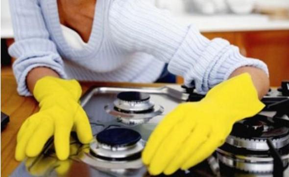 Limpeza eficaz com o uso de bicarbonato de sódio.