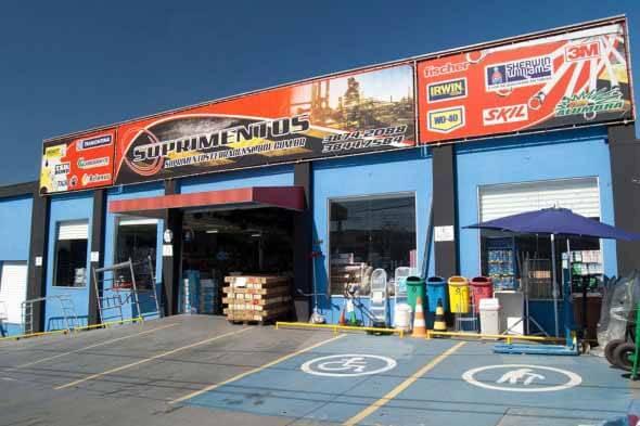 Fachadas de lojas comerciais 004