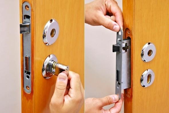 Aprenda a trocar a fechadura da porta 003
