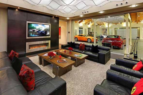 Hotel de Cingapura coloca seus carros dentro do apartamento.