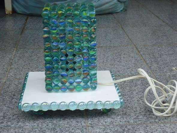 Como fazer uma luminária com bolas de gude 002