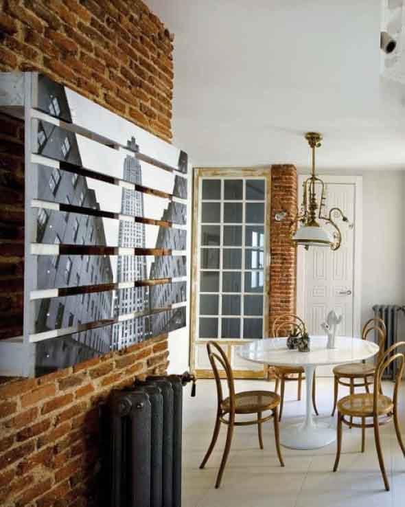 Painel de parede feito com paletes 010