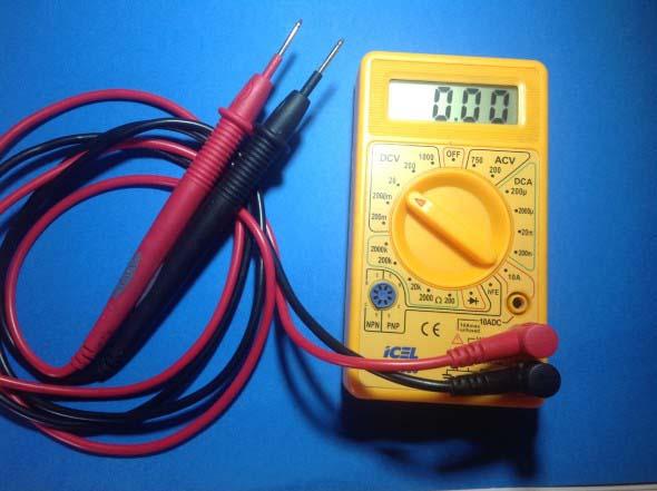 Como medir corrente elétrico com multímetro 001