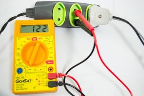 Como medir corrente elétrico com multímetro 003